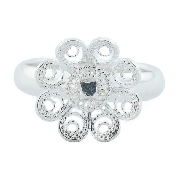 Ring til bunad med stor blomst i hvitt sølv