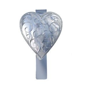 Lommekrok utformet som et gravert hjerte