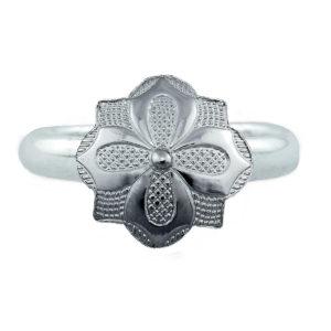Ring m/ gravert blomst