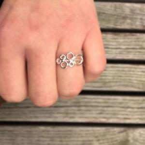 Embla lett ring hvit- 1621